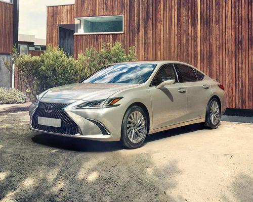 Lexus ES Front Left Side