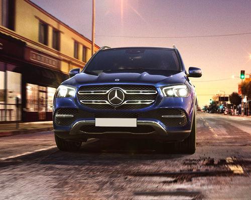 Mercedes-Benz GLE Front Left Side