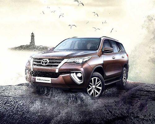 Toyota Fortuner Front Left Side